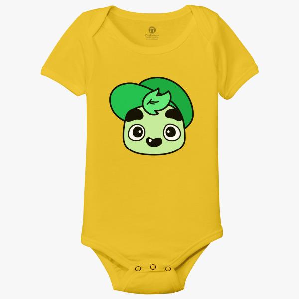 gold t shirt roblox t